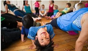 community-yoga-class-kid